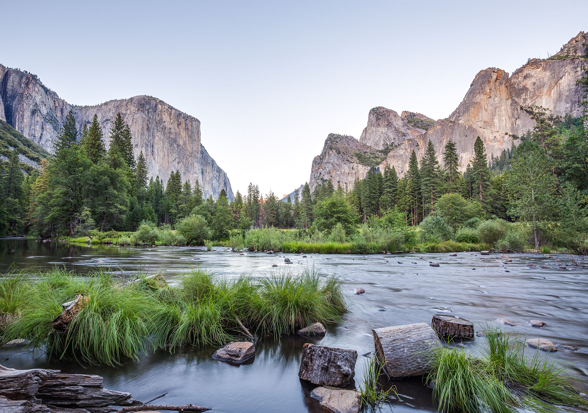 Classic view of Yosemite Valley at sunset in Yosemite National Park, California, USA